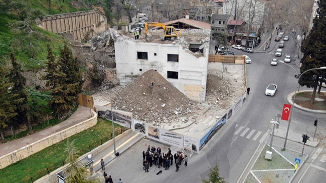 tarihi-maras-kalesi-eski-goruntusune-kavusuyor3.jpg