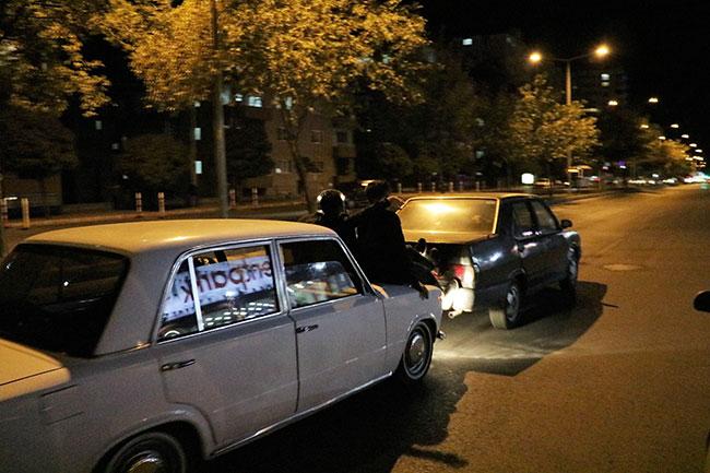 yakiti-biten-otomobili-boyle-goturduler2.jpg