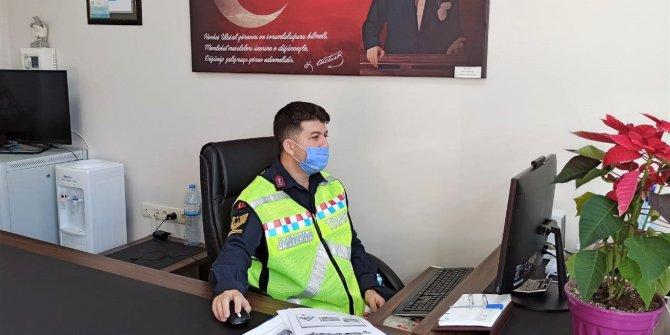 Kahramanmaraş'ta jandarma EBA üzerinden trafik eğitimi verdi
