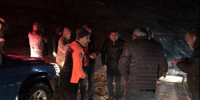Kahramanmaraş'ta kar nedeniyle yaylada mahsur kalan 2 kişi kurtarıldı