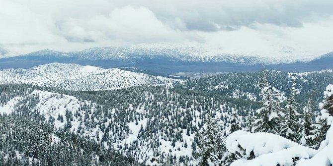 Kahramanmaraş'ta kar kalınlığı 1 metreyi aştı