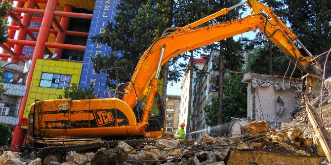 Şehir Meydanı Projesinde yıkımlar başladı