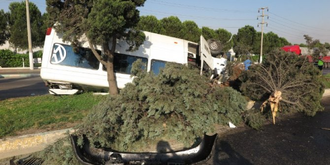 Kahramanmaraş'ta işçi servisi takla attı: 10 yaralı