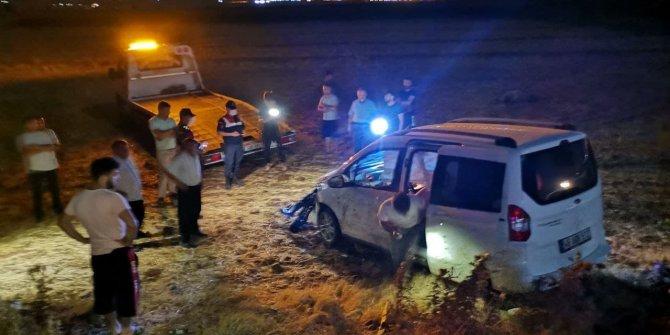 Kahramanmaraş'ta hafif ticari araç koyun sürüsüne çarptı