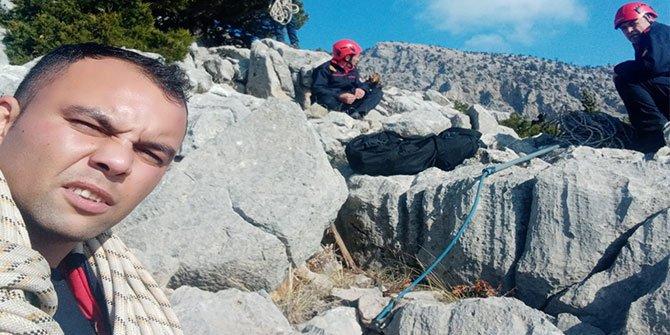 Kahramanmaraş'ta kayalıklarda mahsur kalan köpeği itfaiye kurtardı